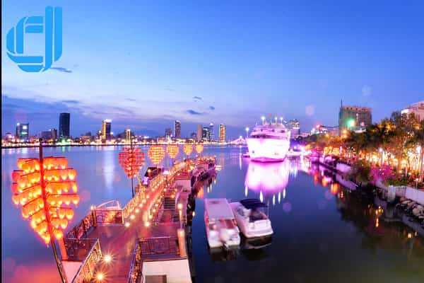 Cầu tàu tình yêu Đà Nẵng điểm nhấn lãng mạng khi du lịch Đà Nẵng
