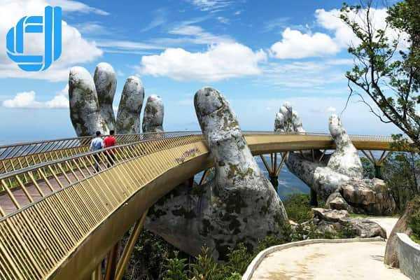 Chiêm ngưỡng cây cầu Vàng độc đáo cùng tour Đà Nẵng 2 ngày 1 đêm